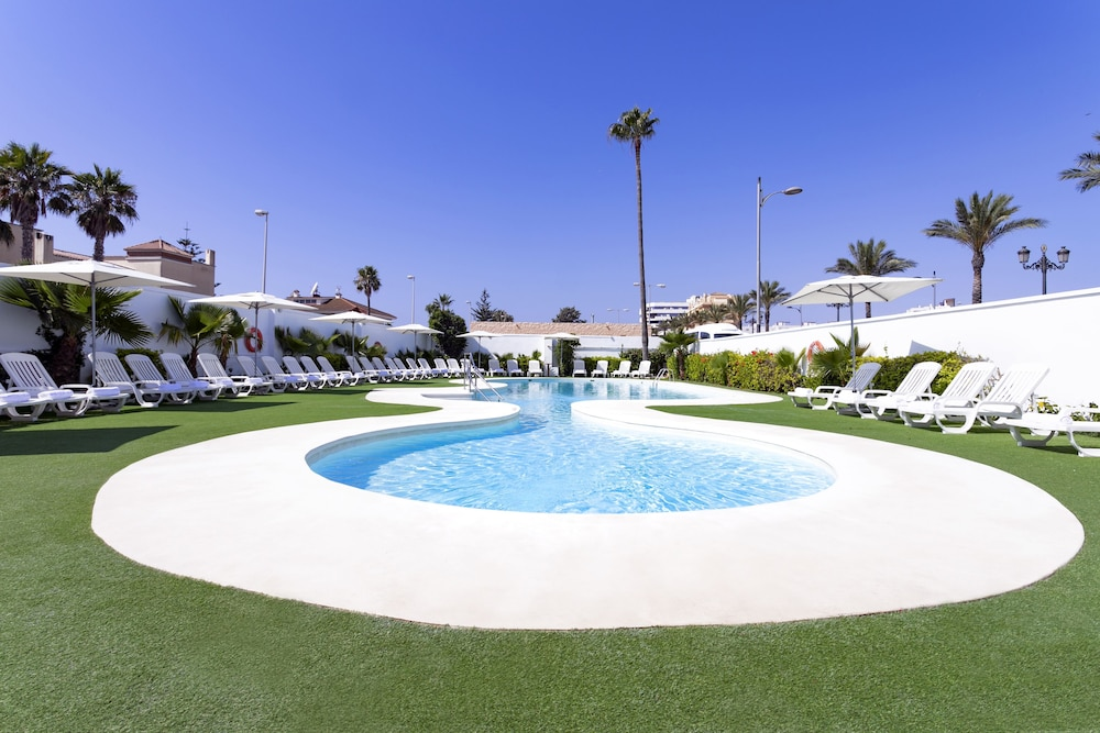 Hotel Roquetas Beach, Featured Image
