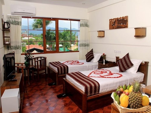 81 Hotel Inlay, Taunggye