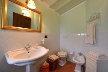 Villa Noceta - Bathroom  - #0