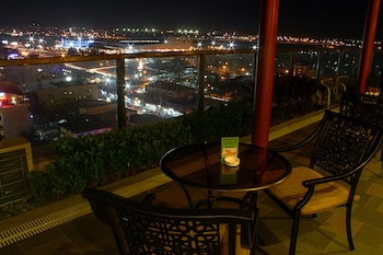Central Park Tower Resort Angeles City View