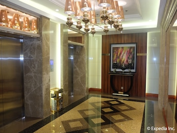 Central Park Tower Resort Angeles Hotel Interior