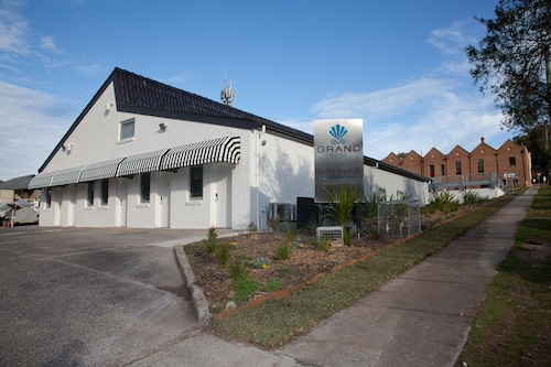 Grand Hotel Wyong, Wyong - South and West