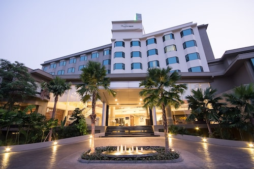. The Grand Riverside Hotel Phitsanulok