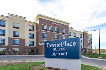 Towneplace Suites Detroit Commerce 14 1 Miles From Great Lakes Crossing