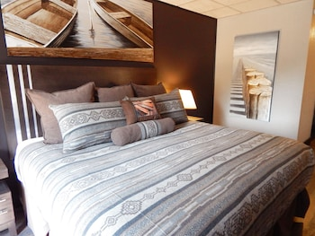 Superior Single Room, 1 King Bed