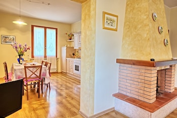 Panoramic Apartment, 2 Bedrooms (Casa Rossa 6)