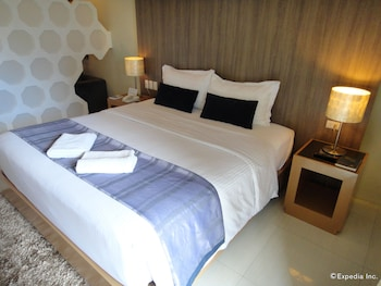 One Manalo Place - Guestroom  - #0