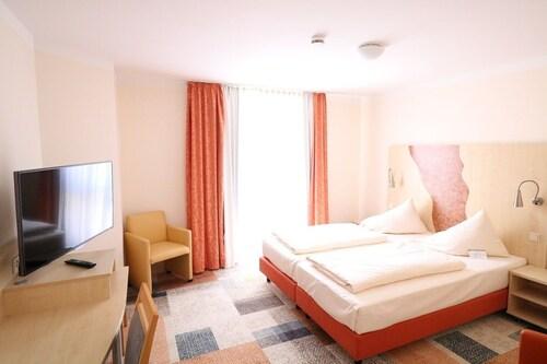 Essen - Petul Apart Hotel Ernestine - z Krakowa, 23 kwietnia 2021, 3 noce