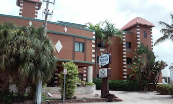 Hotel - Miami Princess Hotel