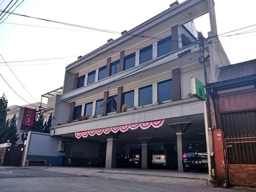 Hotel Unik, Bandung