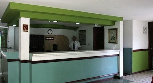 Hotel York, Salvador Alvarado