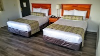 Deluxe Room, 2 Double Beds at Jewel City Inn in Glendale