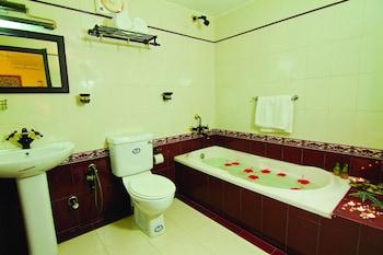 Blooming Bay - Clifftop Beach Resort - Bathroom  - #0