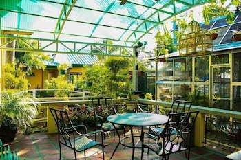 Luisita Central Park Hotel Tarlac Terrace/Patio