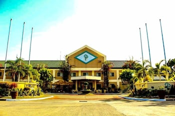 Luisita Central Park Hotel Tarlac Featured Image