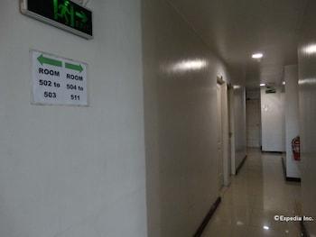 Getz Hotel Manila Hallway