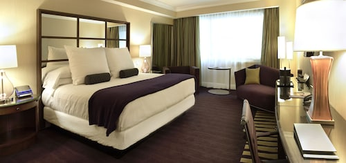 Caesars Suites at Caesars Palace image 55
