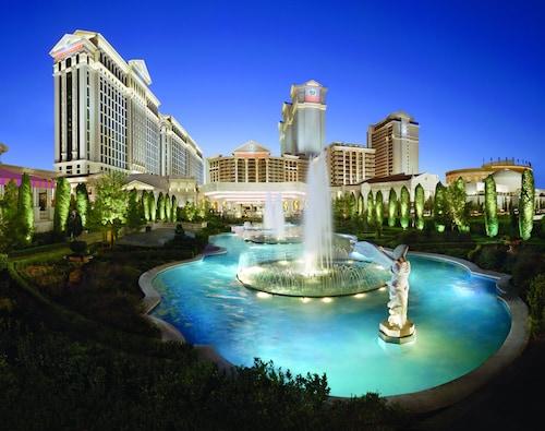Caesars Suites at Caesars Palace image 8
