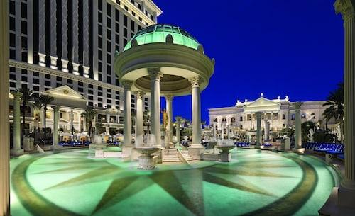 Caesars Suites at Caesars Palace image 11