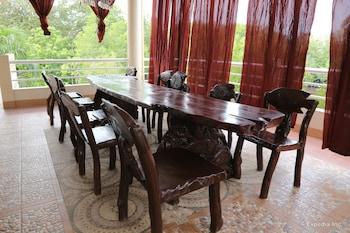 Villa de Sierra Vista Palawan Dining