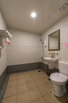 Shanghai Hotel - Bathroom  - #0