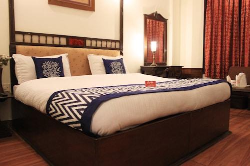 OYO 969 Hotel Khanna Palace, Dehradun