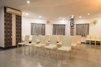 OYO 1106 Hotel Orient Star - Meeting Facility  - #0