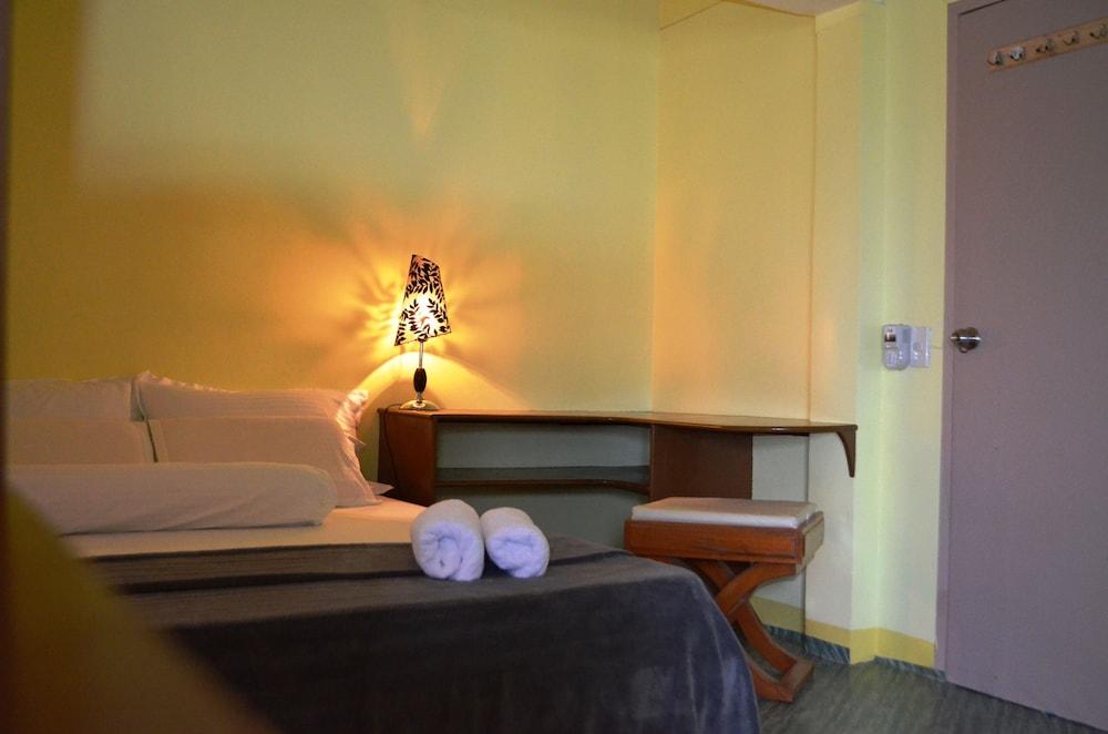 ブルー バンブー ホテル