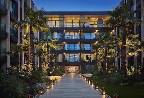 . Four Seasons Hotel Casablanca
