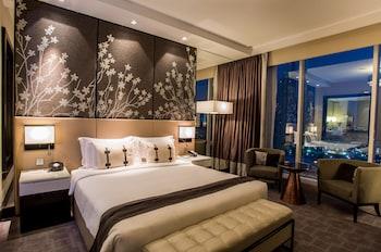 Executive Room, 1 King Bed, View (Burj Khalifa View)