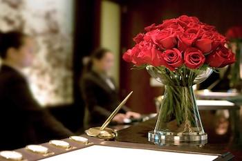Reception at 888 Signature Suites Collection at Signature Condo Hotel in Las Vegas