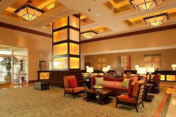 Lobby Sitting Area at 888 Signature Suites Collection at Signature Condo Hotel in Las Vegas