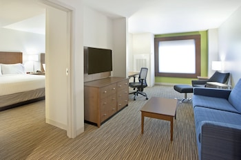 Suite, Accessible, Non Smoking (MOBILITY)