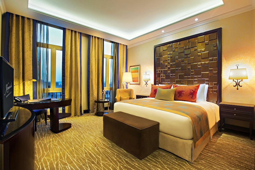 https://i.travelapi.com/hotels/13000000/12310000/12305400/12305374/69d21df4_z.jpg