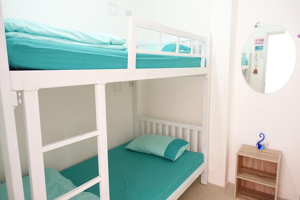 1Sabai Hostel, Wattana