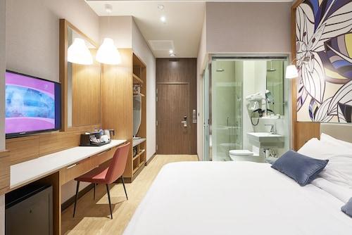 Hotel Bencoolen@Hong Kong Street, Singapore River