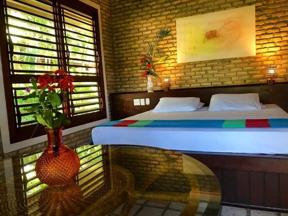 https://i.travelapi.com/hotels/13000000/12310000/12309800/12309748/06fb591d_z.jpg