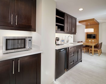 Suite, 1 Bedroom, Kitchen