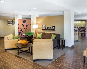Hotel - MainStay Suites Cartersville - Emerson Lake Point