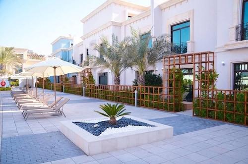 Al Seef Resort & Spa by Andalus,