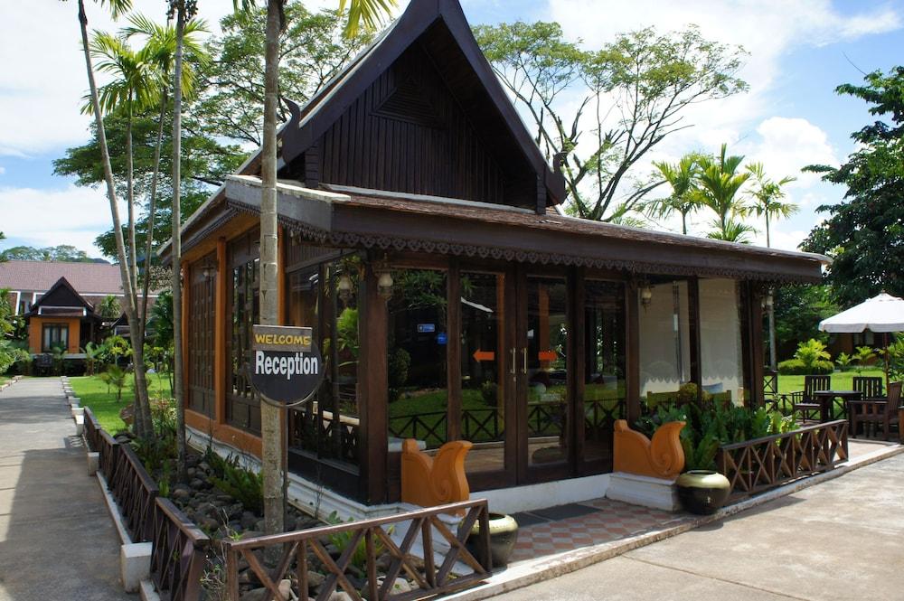 https://i.travelapi.com/hotels/13000000/12320000/12313800/12313722/839c17d8_z.jpg