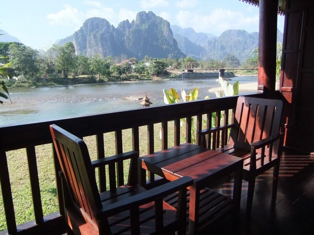 https://i.travelapi.com/hotels/13000000/12320000/12313800/12313722/a01689bd_z.jpg