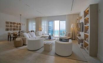 Ultra Penthouse