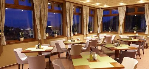 __{offers.Best_flights}__ Hotel Kolping