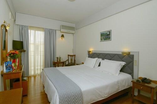 . Hotel Nefeli