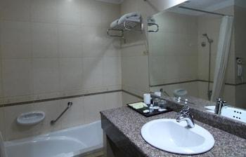 Golden View Hotel - Bathroom  - #0