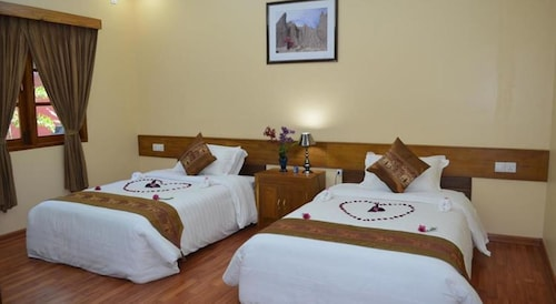 Crown Prince Hotel, Myingyan