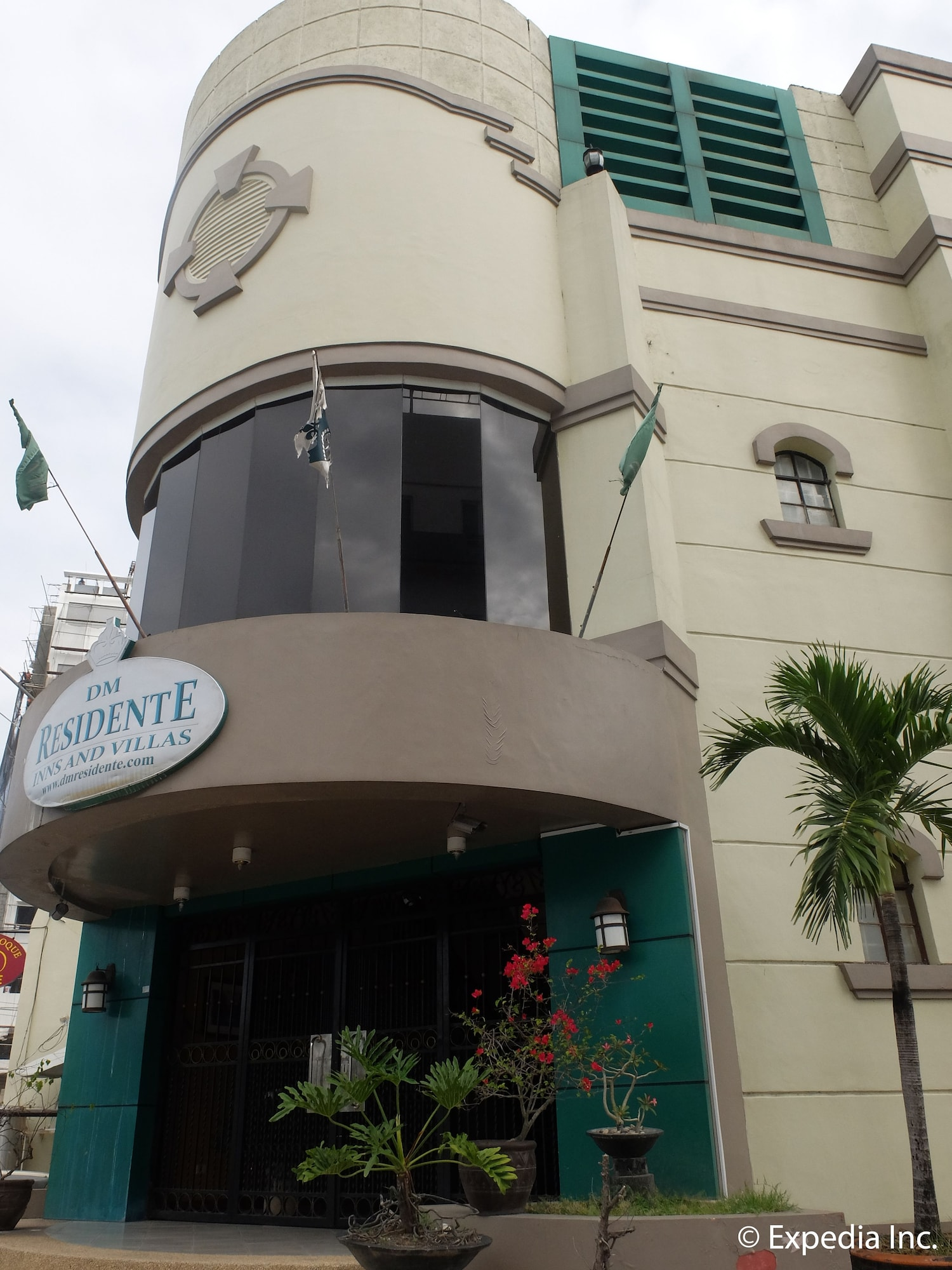 DM Residente Hotel, Mabalacat