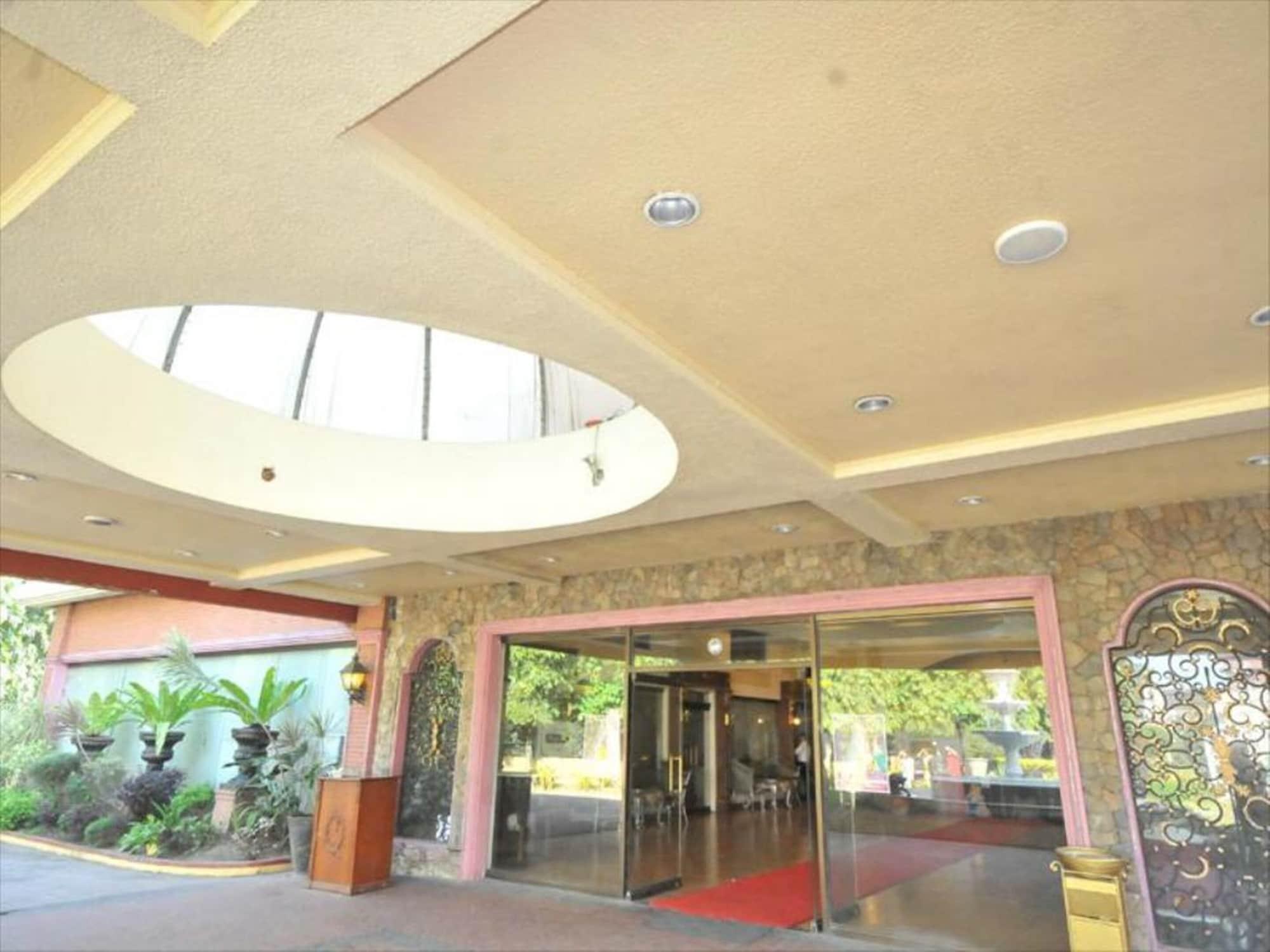 Queen Margarette Hotel - Main, Lucena City