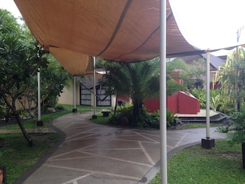 SEGARA VILLAS Property Grounds